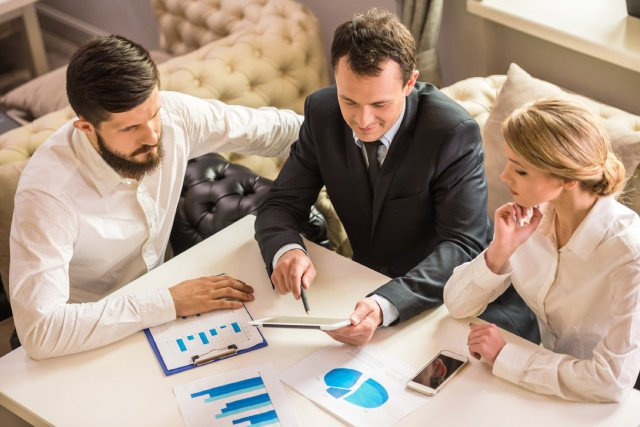 business meeting about outsource SEO services